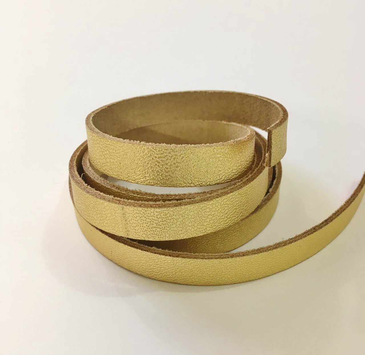 Tira de Couro Dourado 1cm