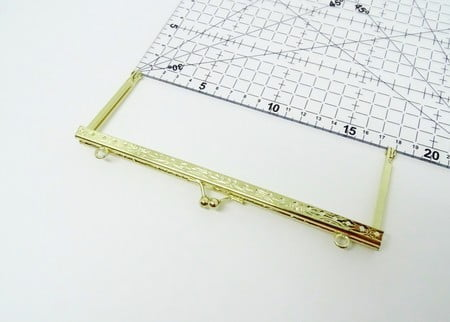 Fecho da Vovó para Bolsas Q com Furos e Alça 18cm Dourado