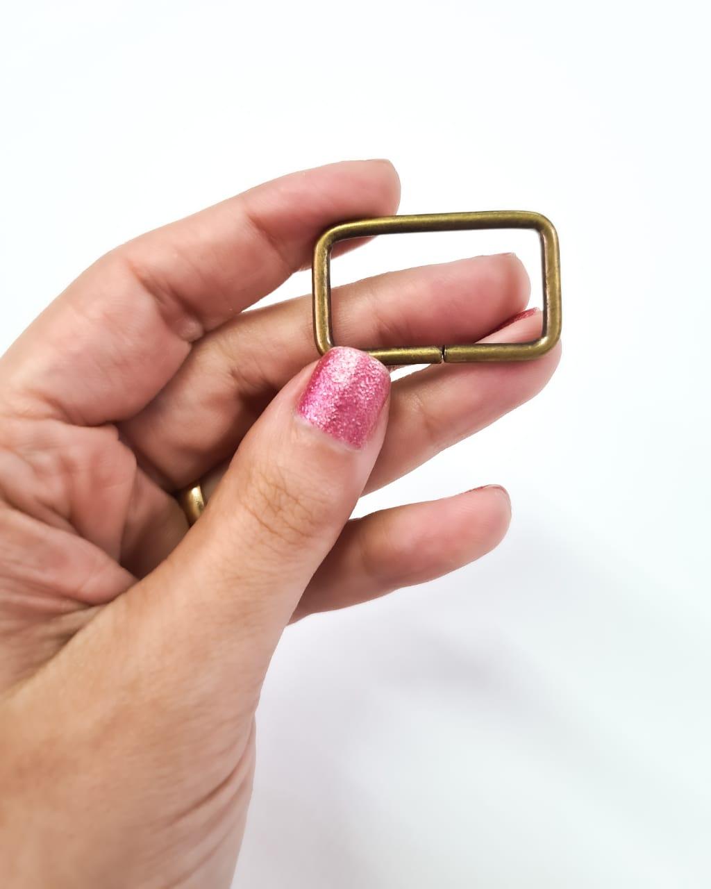 Passador de Alça Retangular Grosso 3cm Ouro Velho