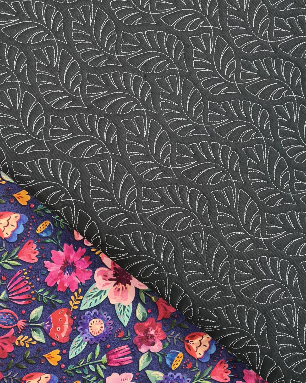 Sarja Matelassada Costela de Adão Preto (0,36 x 0,48)