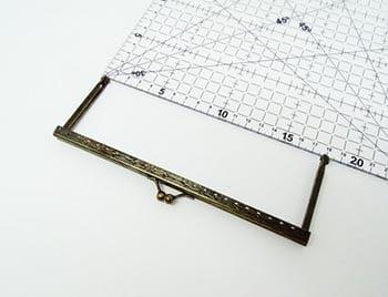 Fecho da Vovó para Bolsas Q com Furos 18cm Ouro Velho